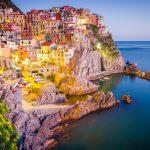 Italia-Road-Trip-tramonto-in-Manarola-Cinque-Terre-Liguria-La-Spezia-Provincia-Italia