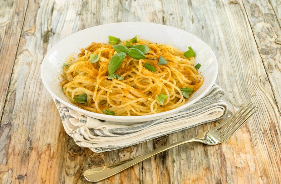 BEST-EUROPEAN-DISHES-ITALY-Spaghetti-with-bottarga-and-basil-Sardinian-Food