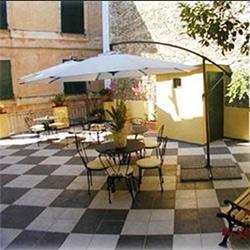 CINQUE-TERRE-BEST-HOTELS-MONTEROSSO-AL-MARE-