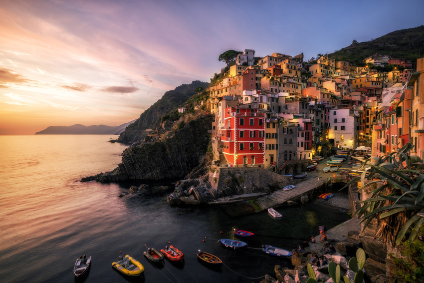 Riomaggiore-Cinque-Terre-Italy-Traditional-fishing-village-in-La-Spezia-situate-in-coastline-of-Liguria-of-Italy-Riomaggiore-is-one-of-the-five-Cinque-Terre-travel-attractions.