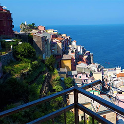 best-hotels-and-apartments-in-cinque-terre-manarola-village-italy