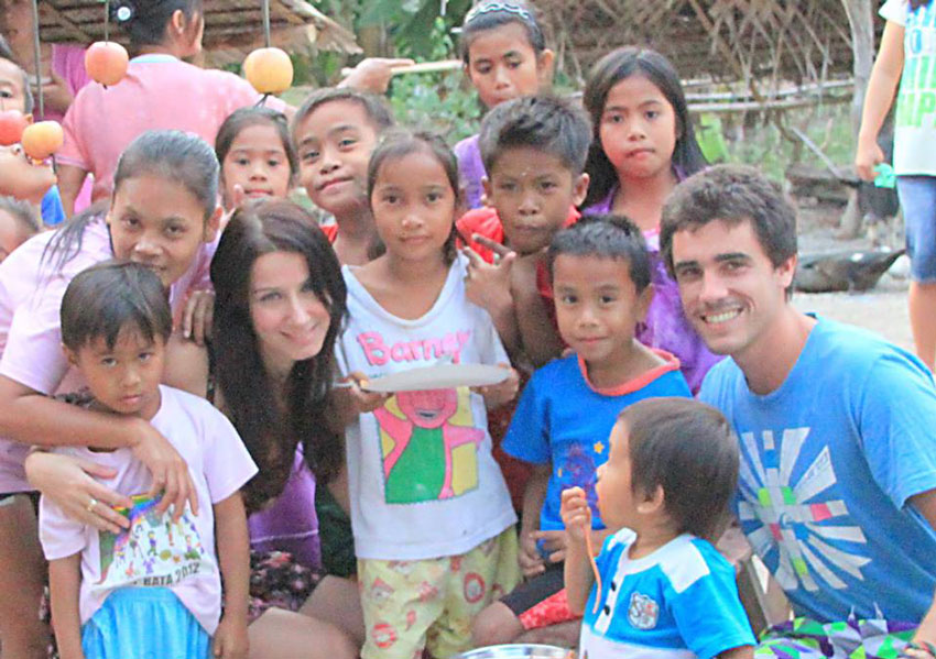 gap-year-programs-ideas-how-to-have-a-life-changing-experience-meeting-locals