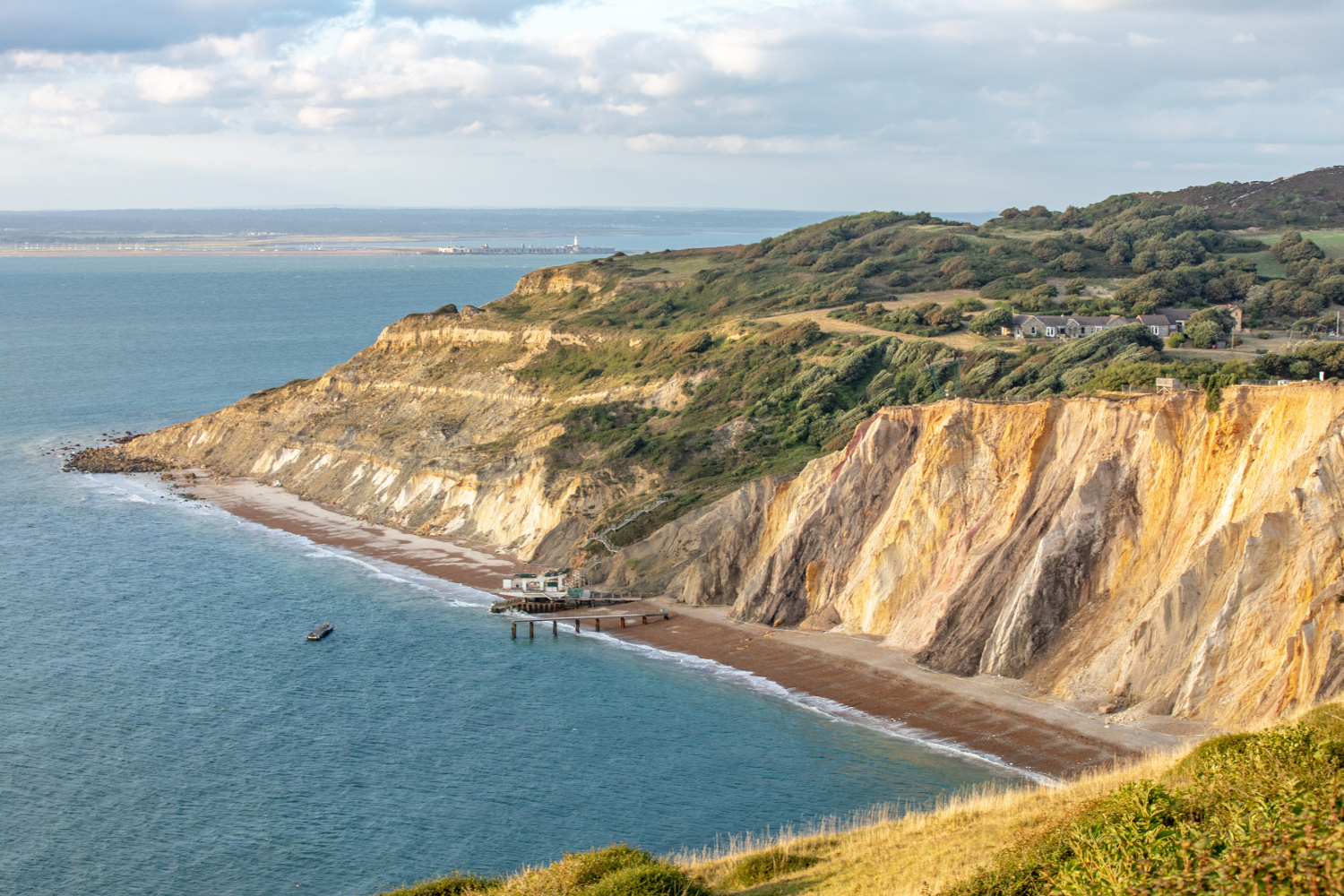 Isle_of_Wight_beaches_Alum-Bay