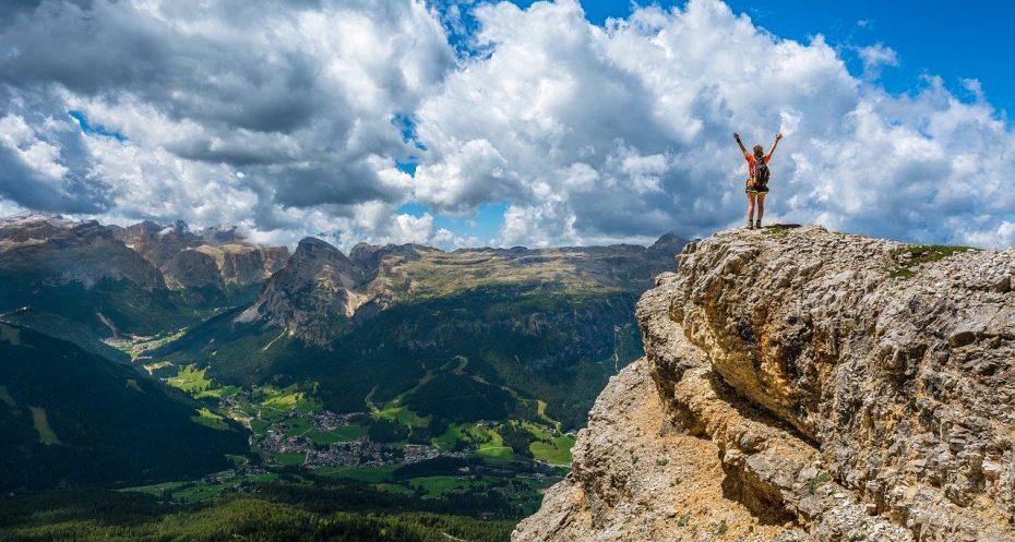 dolomites-best-hikes-mountain-view-trekking