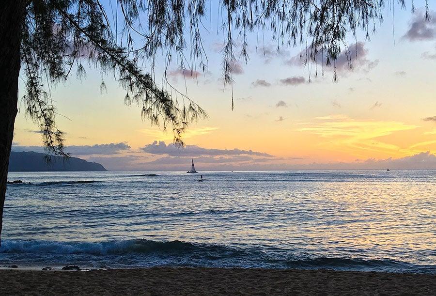 haleiwa-beach-hawaii