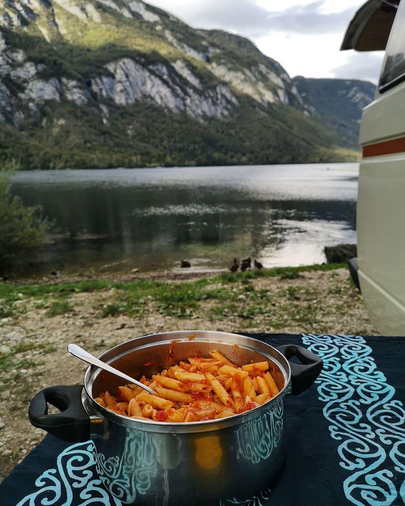 SLOVENIA-ITINERARY-ROAD-TRIP-ONE-WEEK-CAMPING-LAKE-BOHINJ