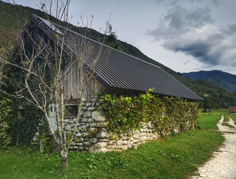 visit-slovenia-in-one-week-countryside-near-tolmin